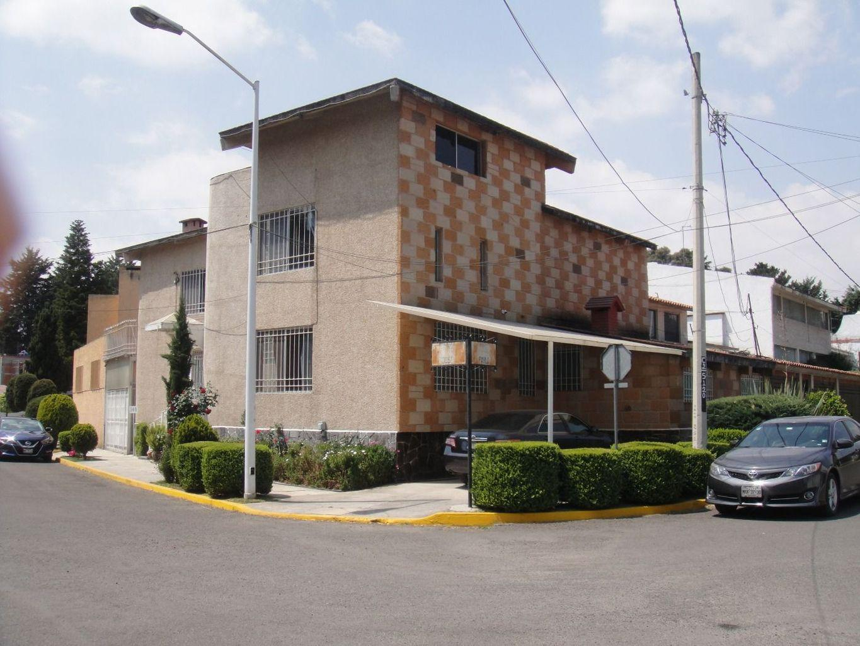 FotoCasa en condominio en Venta    en  San Carlos,  Metepec  Residencia venta Club de Golf San Carlos, Metepec