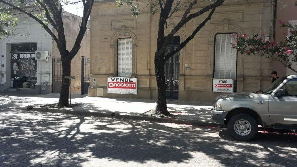 Av. Mitre 100 - Gaggiotti Inmobiliaria cuenta con más de 50 años desde que se inicio en el negocio de los servicios inmobiliarios.