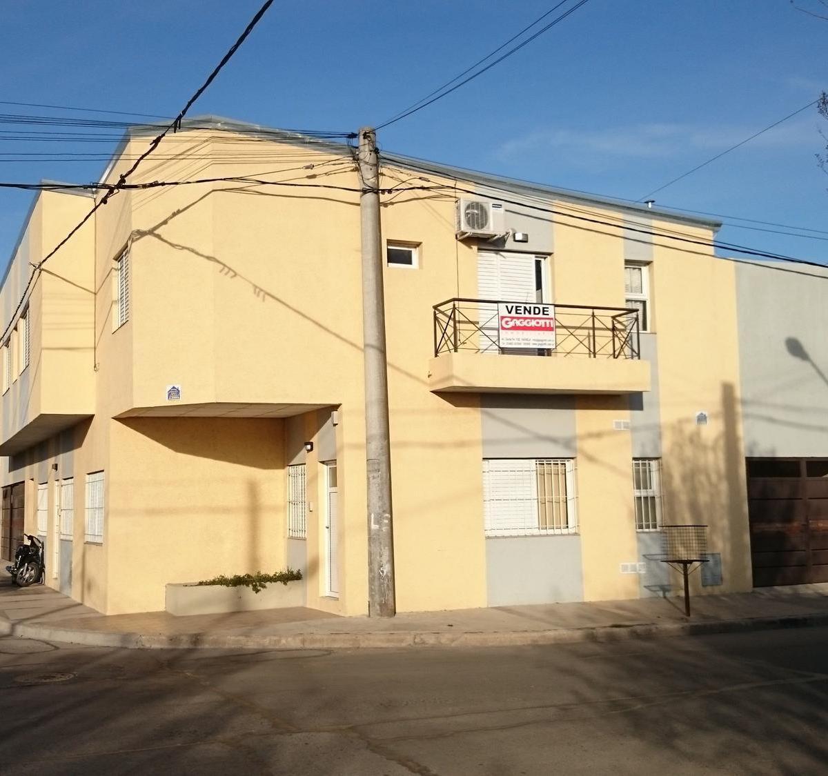 Juan B. Justo 497 1er piso Depto. 8 - Gaggiotti Inmobiliaria cuenta con más de 50 años desde que se inicio en el negocio de los servicios inmobiliarios.