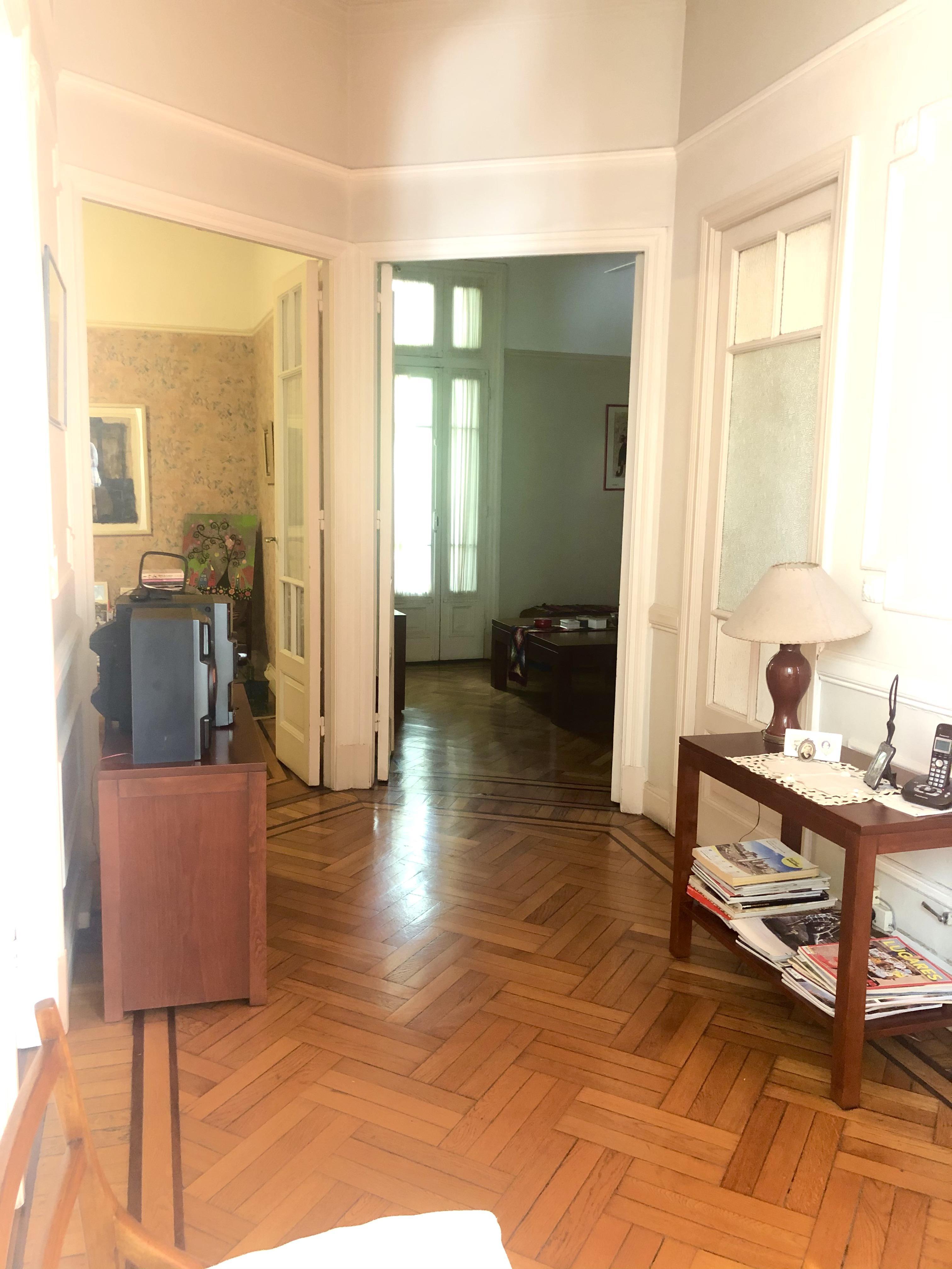 FotoDepartamento en Venta |  en  Almagro ,  Capital Federal  Av. Rivadavia al 3200