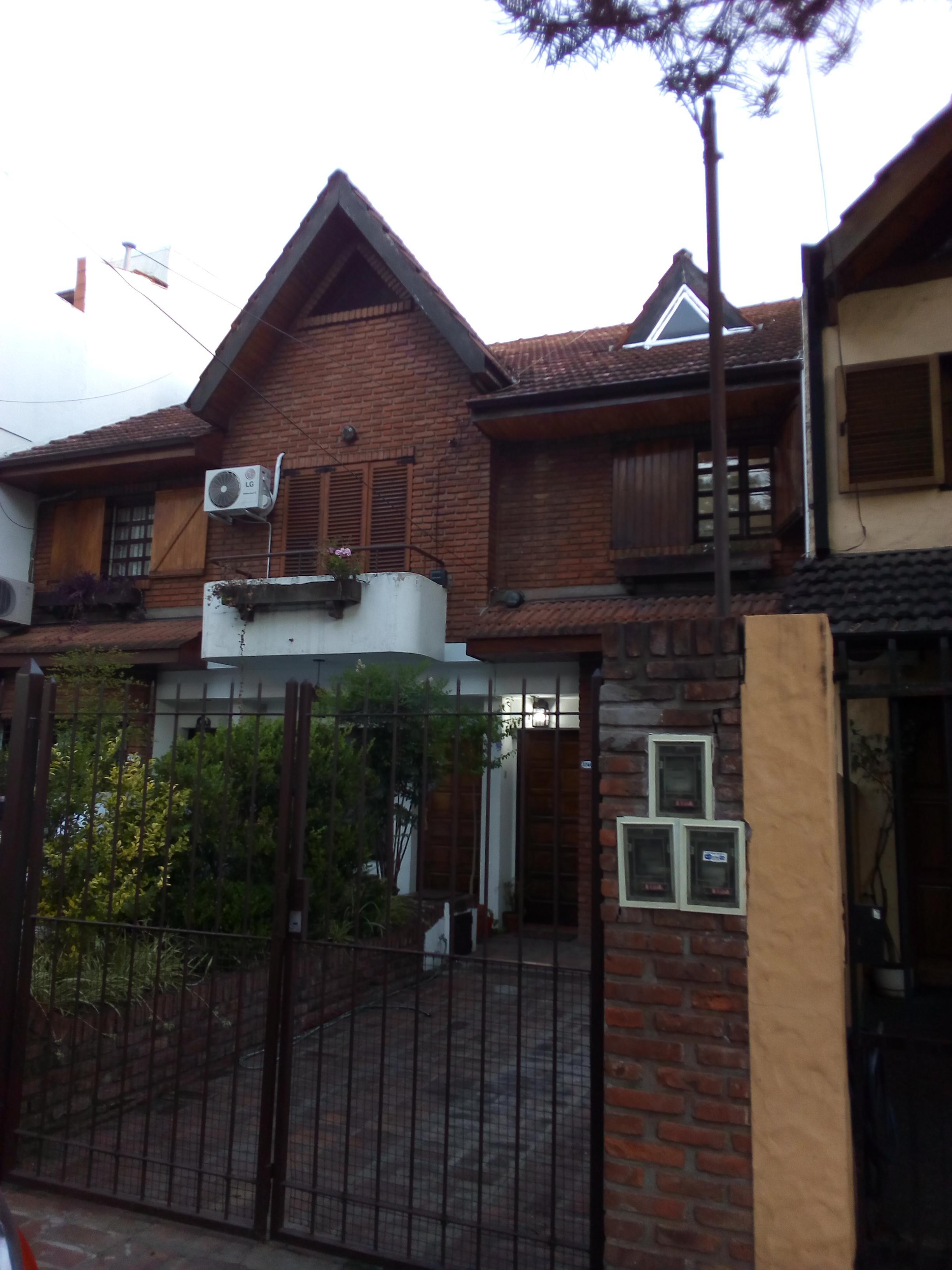 Foto Casa en Venta |  en  Olivos,  Vicente Lopez  DIAZ VELEZ al 3700