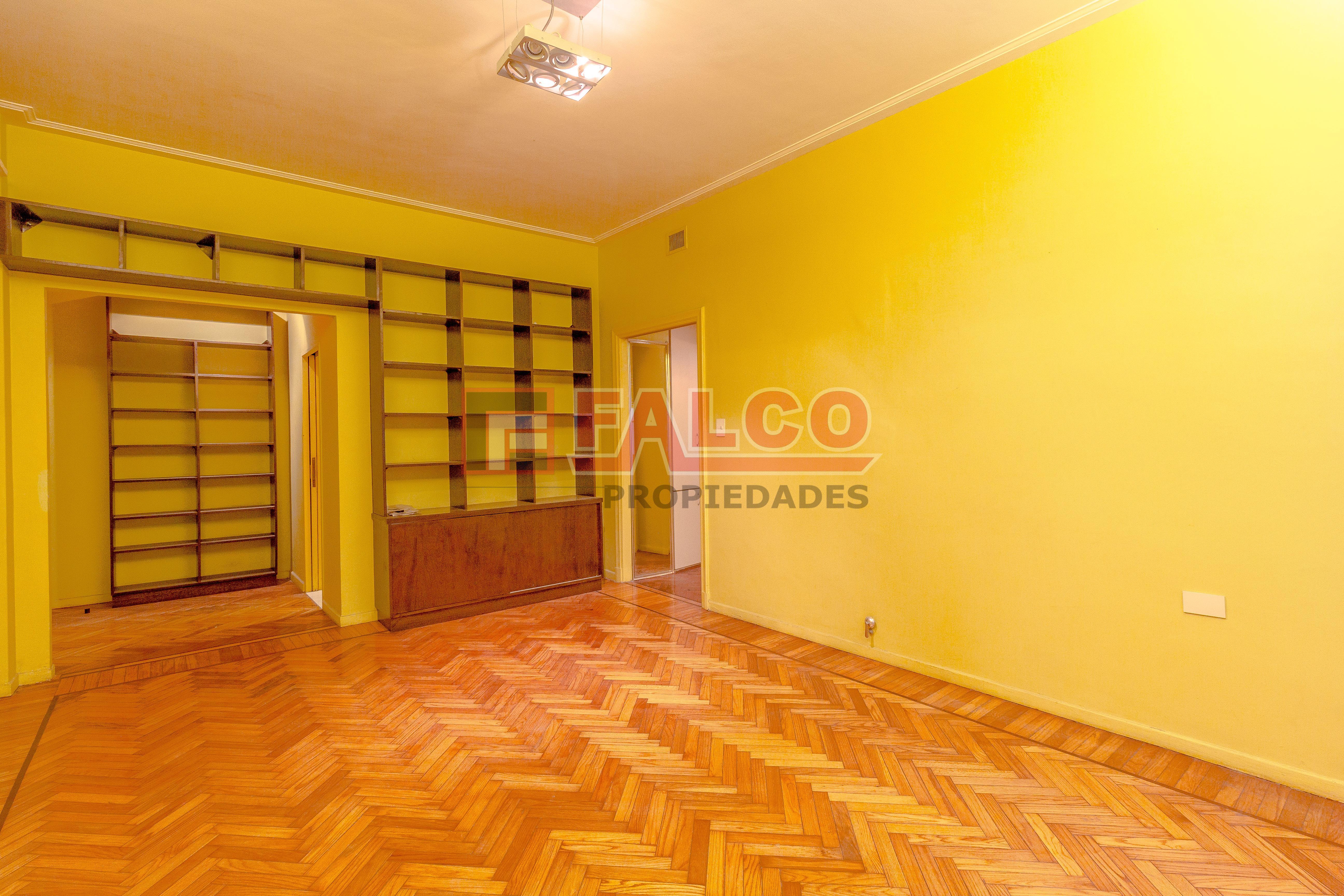 FotoDepartamento en Venta |  en  Caballito ,  Capital Federal  Rosario al 500