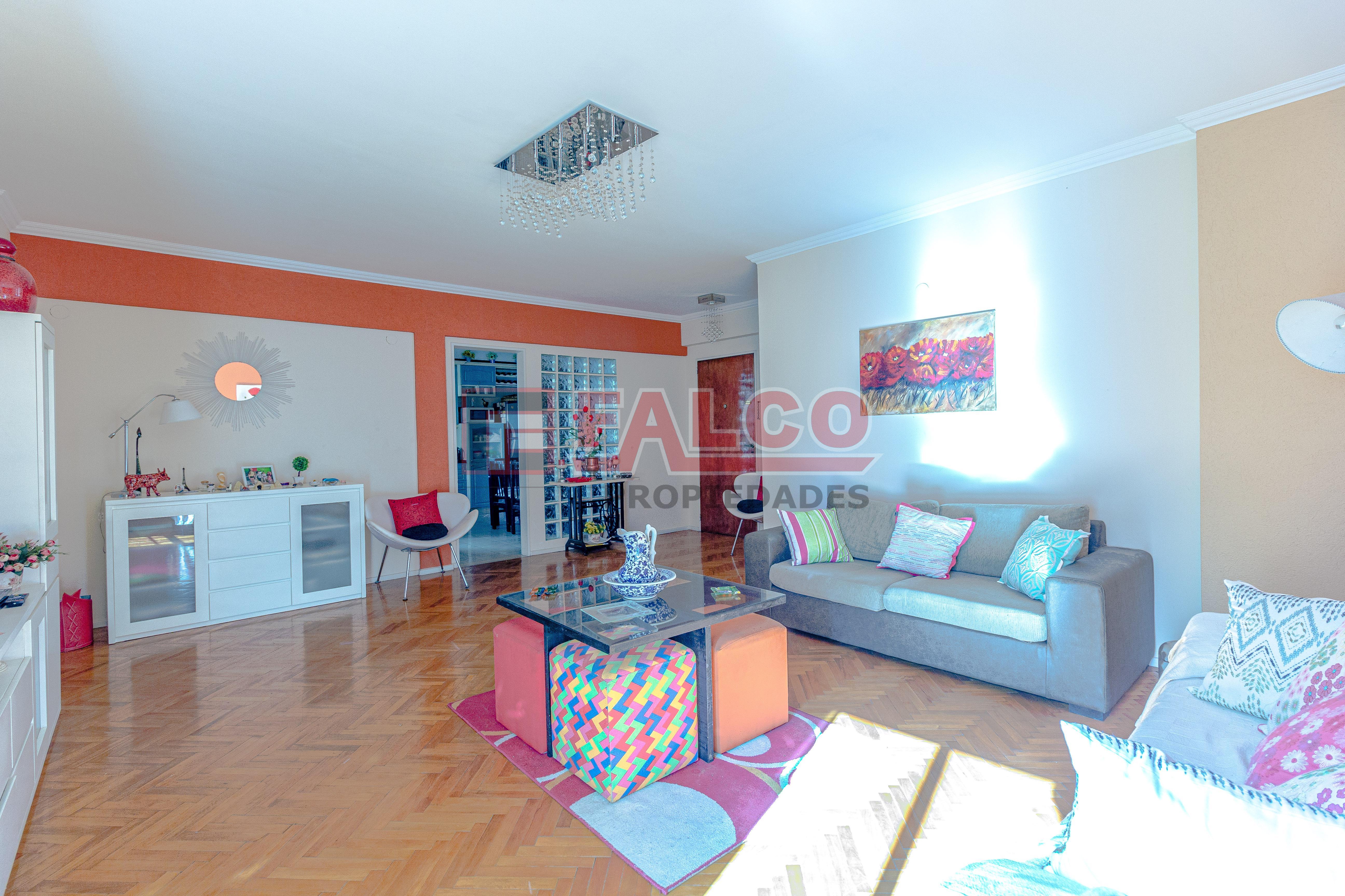 FotoDepartamento en Venta |  en  Flores ,  Capital Federal  Rivadavia al 6300