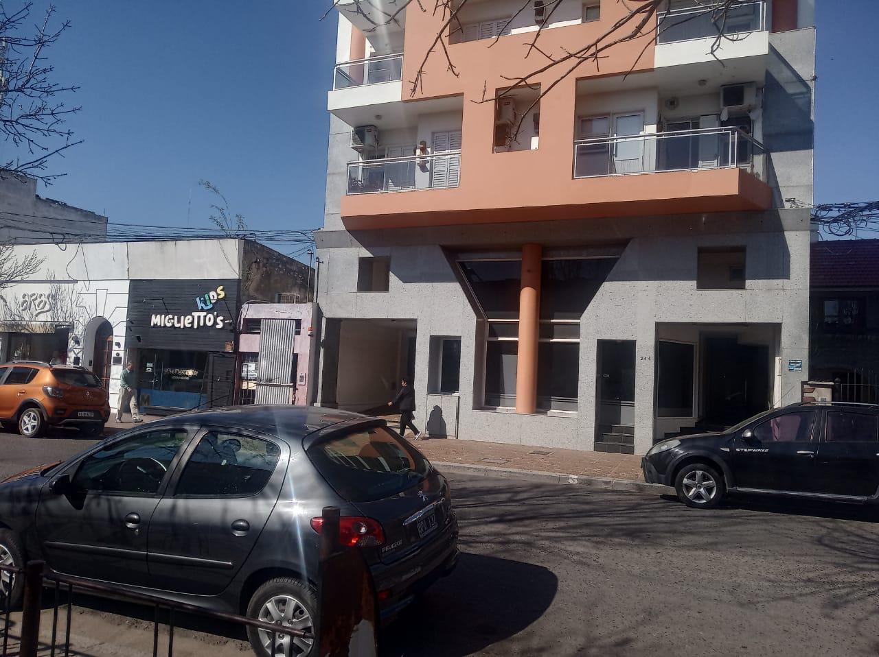 Sarmiento 244 - Gaggiotti Inmobiliaria cuenta con más de 50 años desde que se inicio en el negocio de los servicios inmobiliarios.