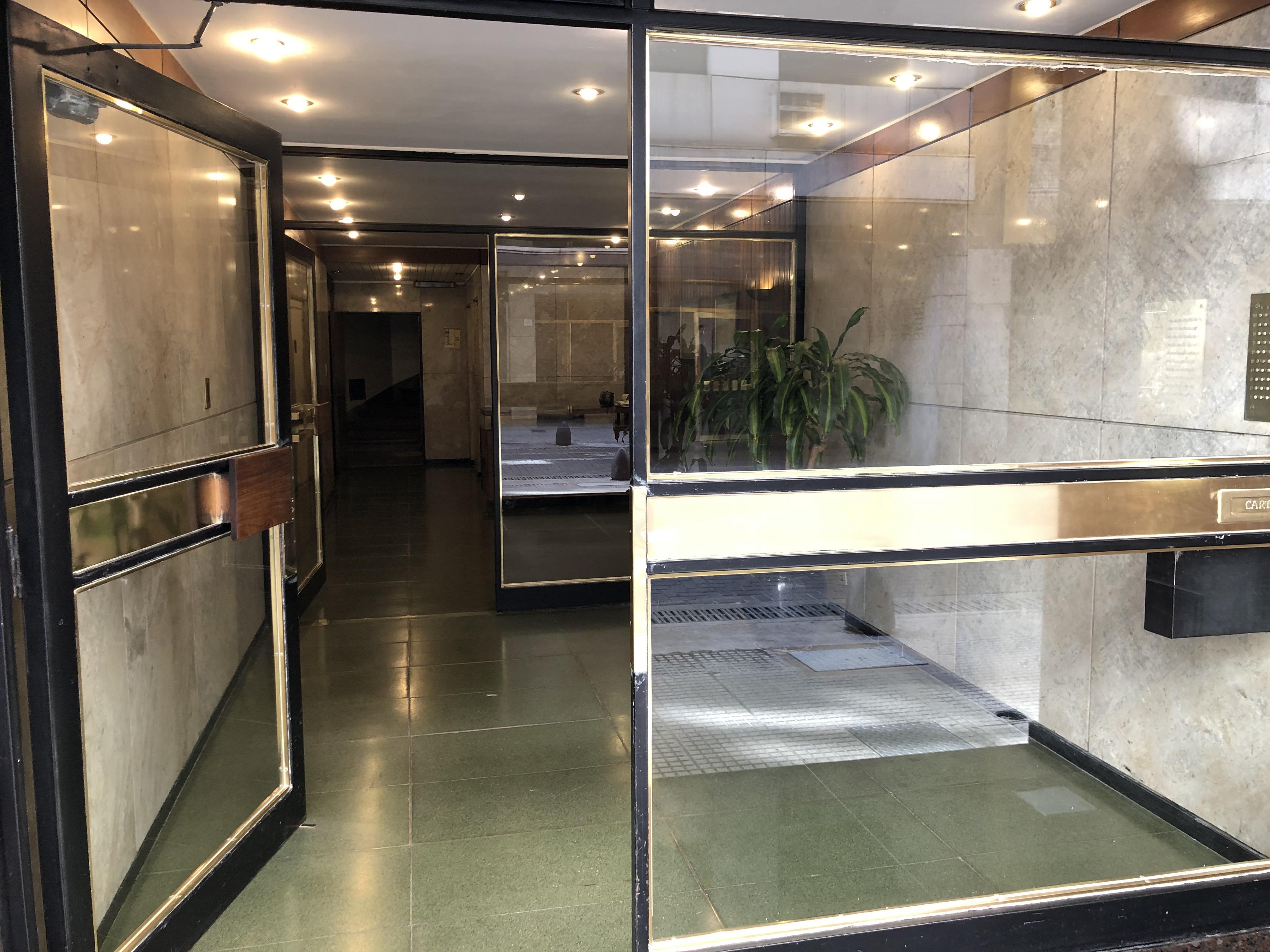 FotoDepartamento en Alquiler | Alquiler temporario |  en  Retiro,  Centro (Capital Federal)  San martin al 900