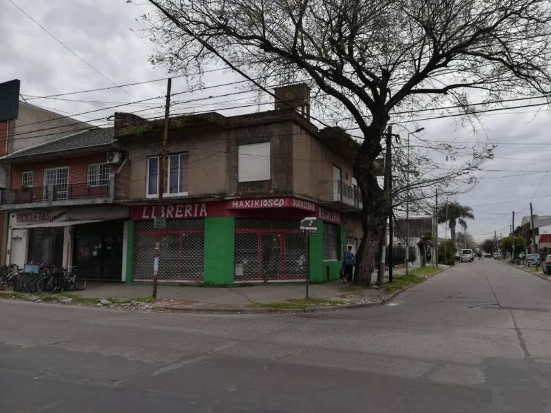 FotoCasa en Venta    en  Moron,  Moron  Luis María Campos al 800