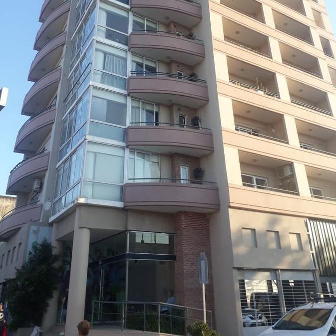 FotoDepartamento en Venta |  en  Ciudad De Tigre,  Tigre  Av Cazon al 100