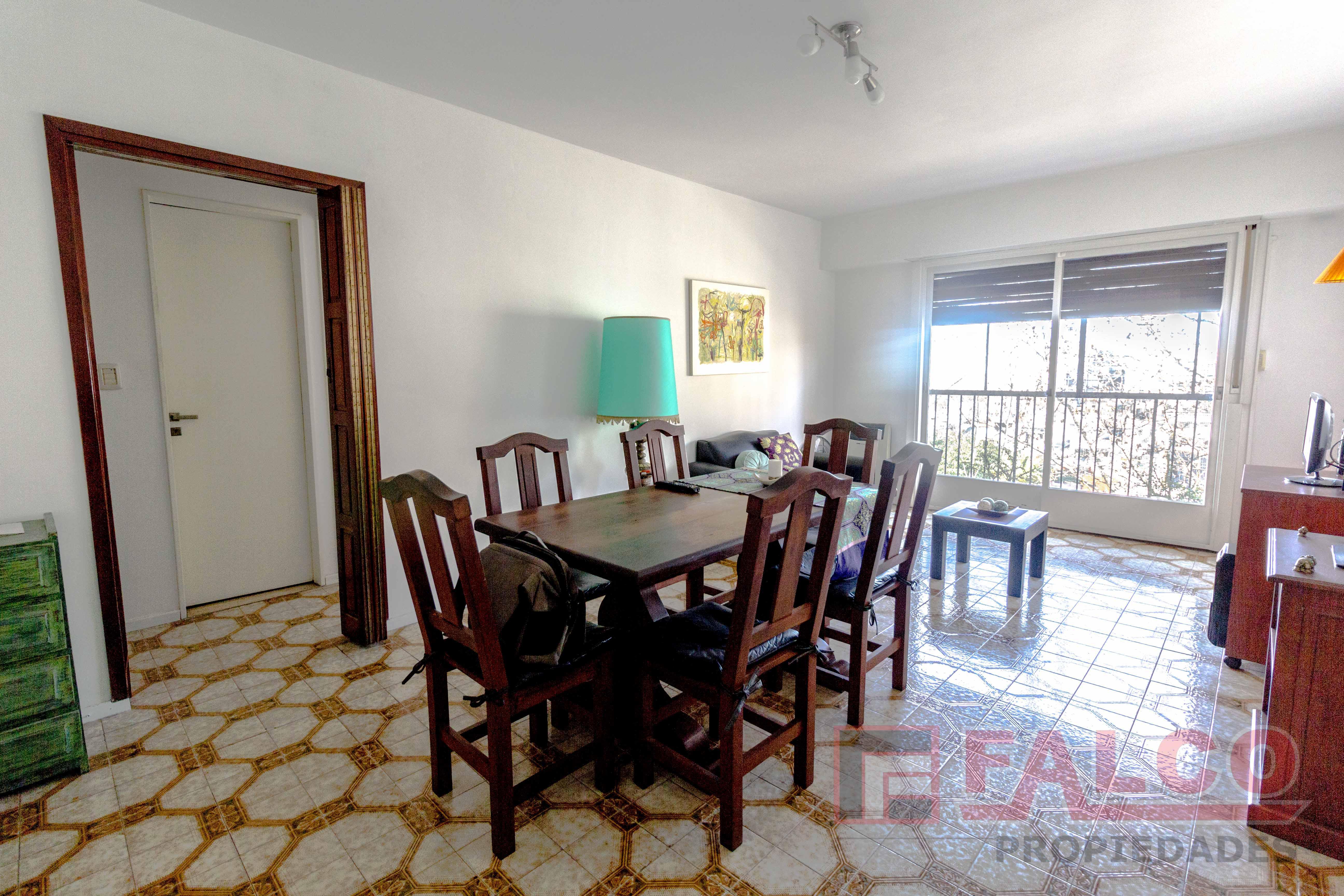 FotoDepartamento en Venta    en  Flores ,  Capital Federal  Pedernera al 200