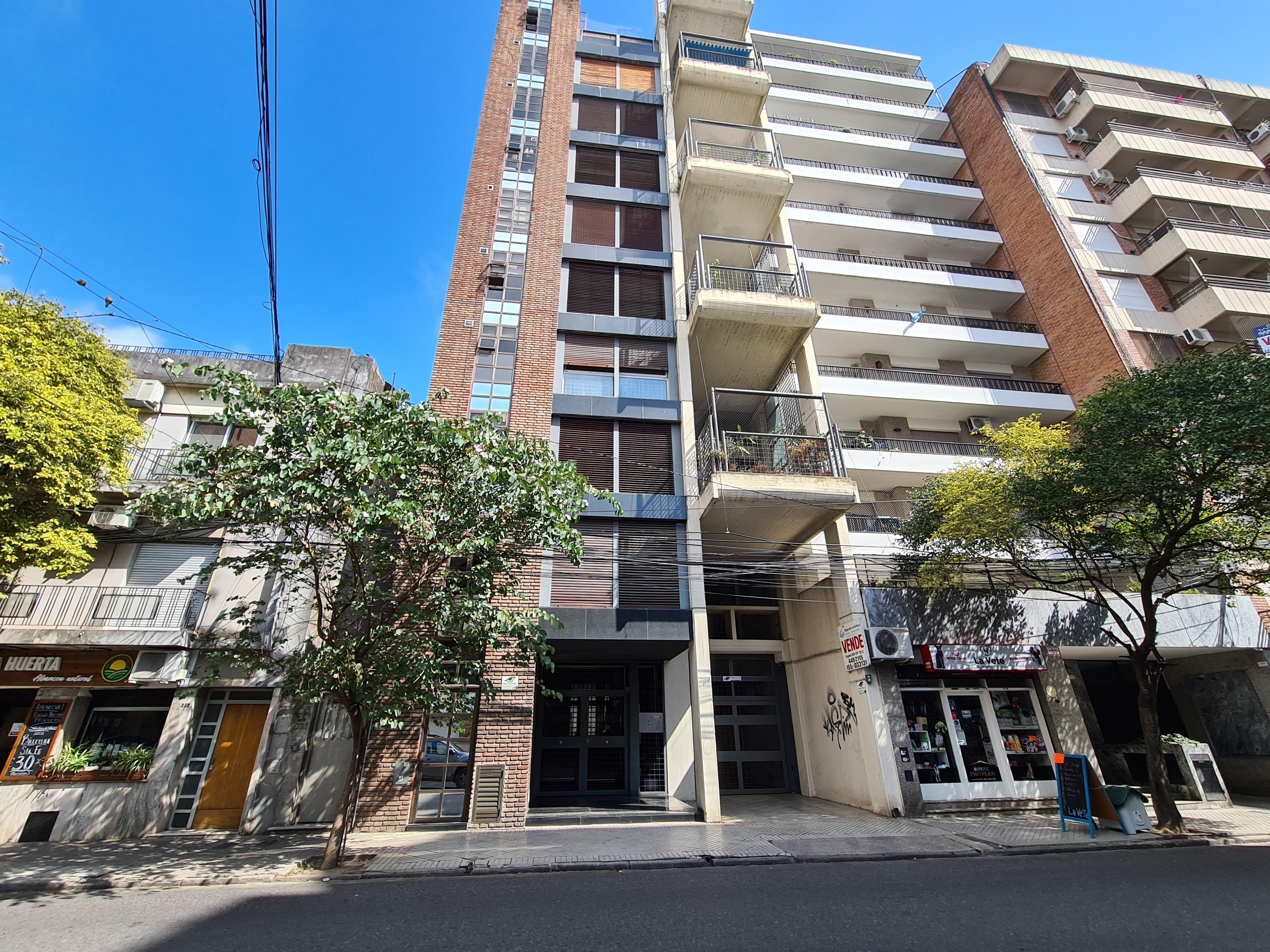 FotoDepartamento en Venta |  en  Centro,  Rosario  Piso Exclusivo Amplísimo 3 Dormitorios Excelente Ubicación - Presidente Roca 262