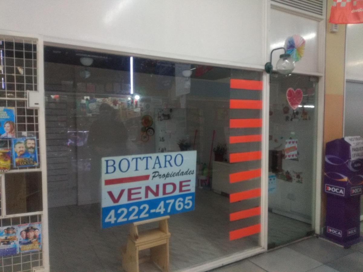 FotoLocal en Venta    en  Avellaneda,  Avellaneda  Av Mitre 634