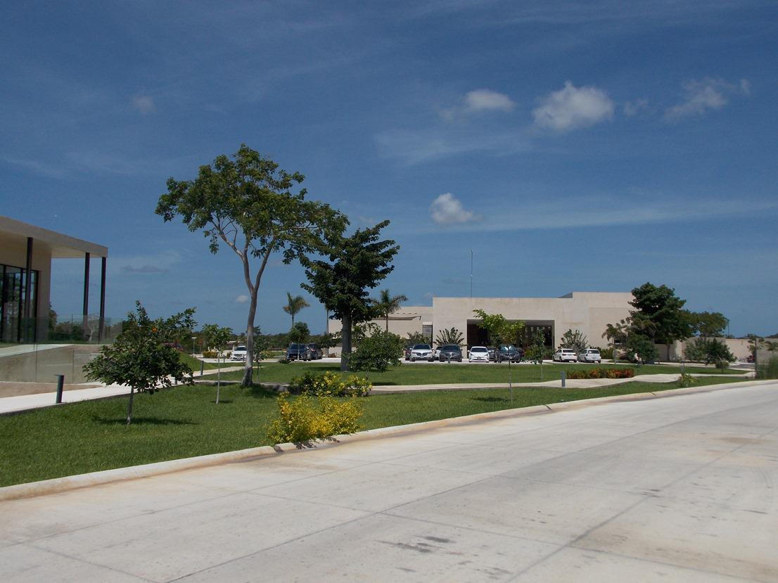 FotoTerreno en Venta |  en  Pueblo Komchen,  Mérida  Terreno en Venta  Privada Norte Mérida Komchen Mérida Yucatán