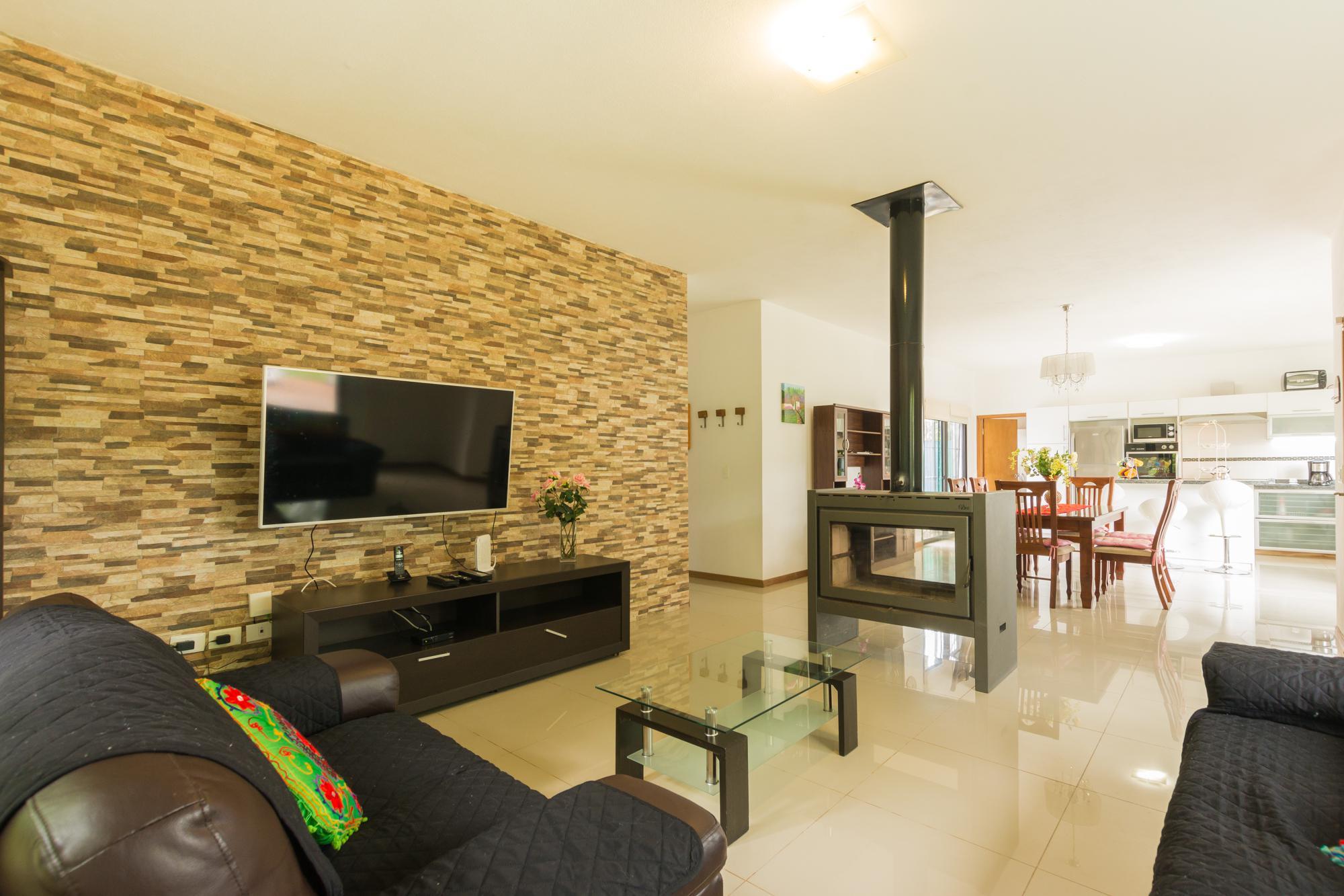 Casa Venta o Alquiler en Punta del Este Cantegril de 3 Dormitorios