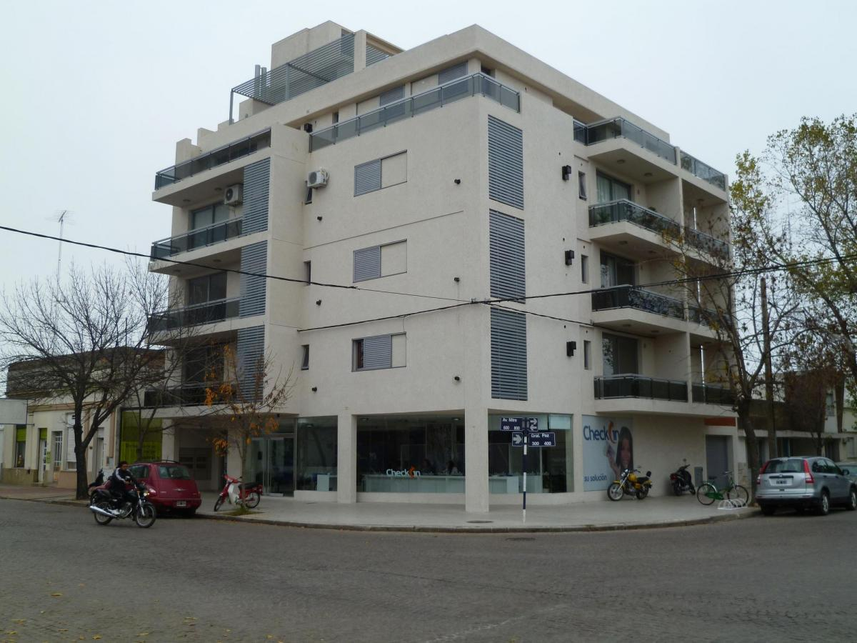 Av. Gral. B. Mitre esq. Gral Paz 1º Piso Dpto C - Gaggiotti Inmobiliaria cuenta con más de 50 años desde que se inicio en el negocio de los servicios inmobiliarios.