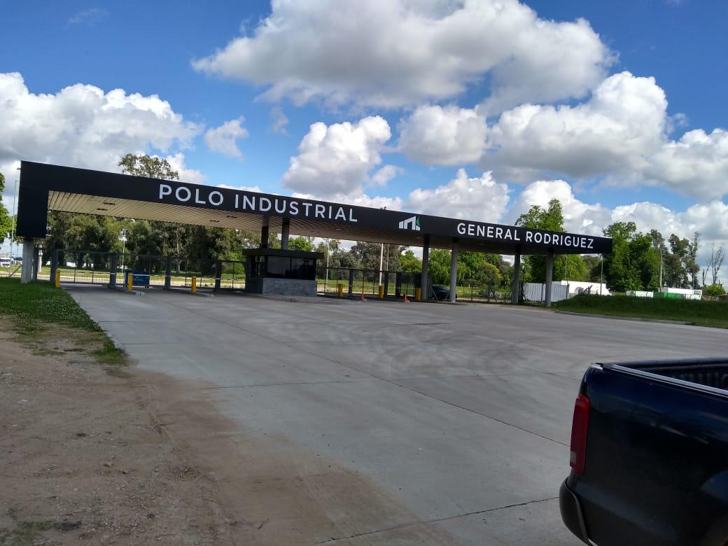 FotoDepósito en Alquiler |  en  General Rodriguez ,  G.B.A. Zona Oeste  POLO INDUSTRIAL GENERAL RODRIGUEZ