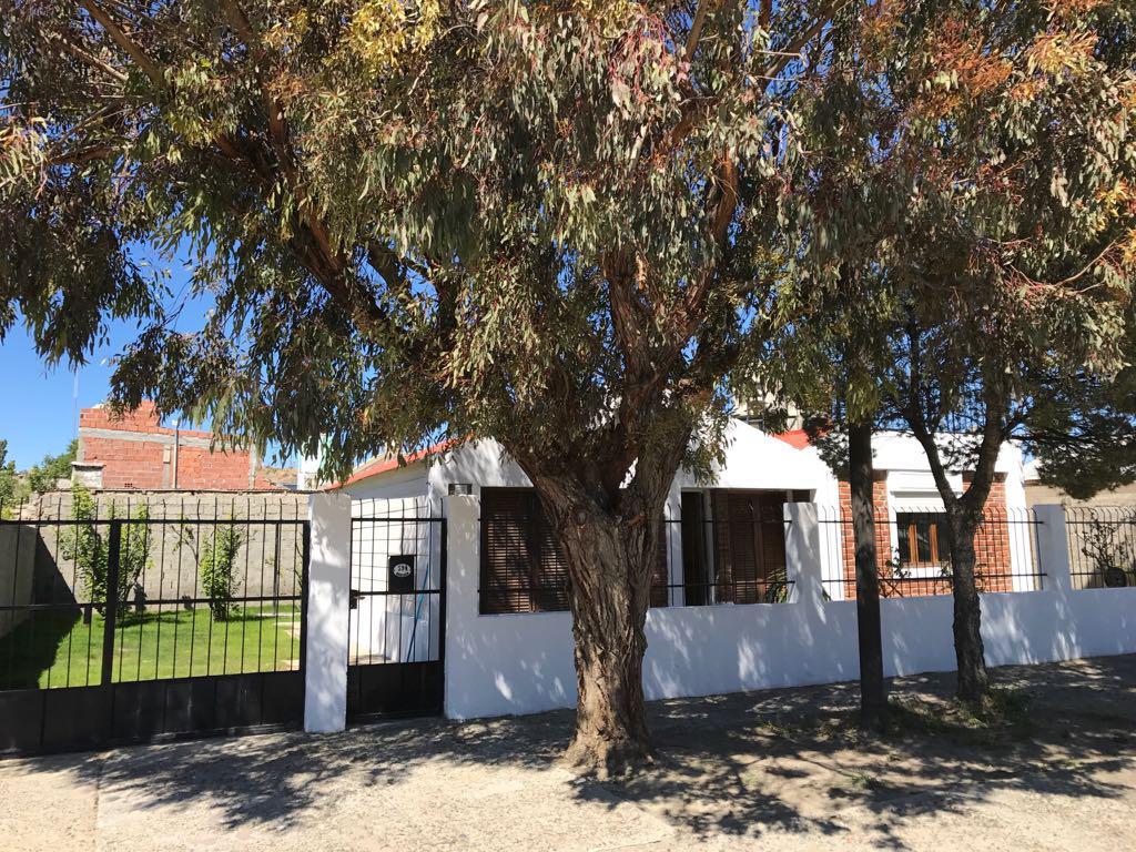 Foto Casa en Venta |  en  Pueyrredon,  Comodoro Rivadavia  La Razon al 500