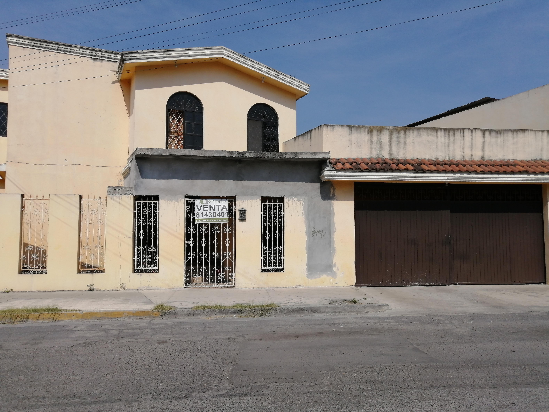 FotoCasa en Venta |  en  Residencial Azteca,  Guadalupe  Oportunidad Venta Casa amplia en esquina, Col. Residencial Azteca II, Guadalupe N.L.