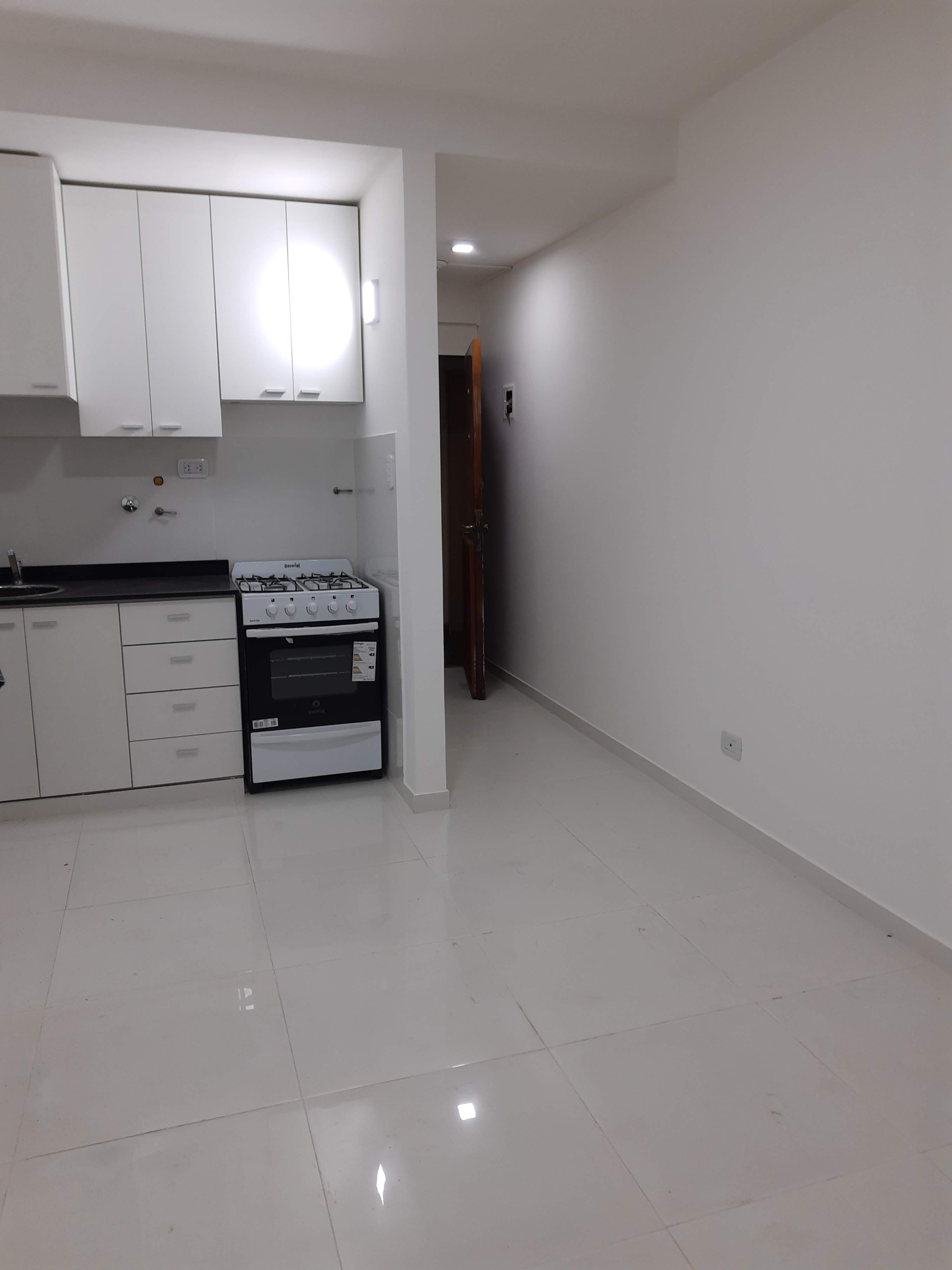 FotoDepartamento en Alquiler |  en  Ramos Mejia Sur,  Ramos Mejia  Av Rivadavia al 13800