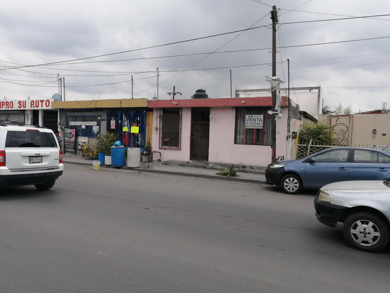 FotoCasa en Venta |  en  Noria Sur,  Apodaca  Casa en Avenida para Negocio/Bodega/ Local cerca Isidoro Sepulveda