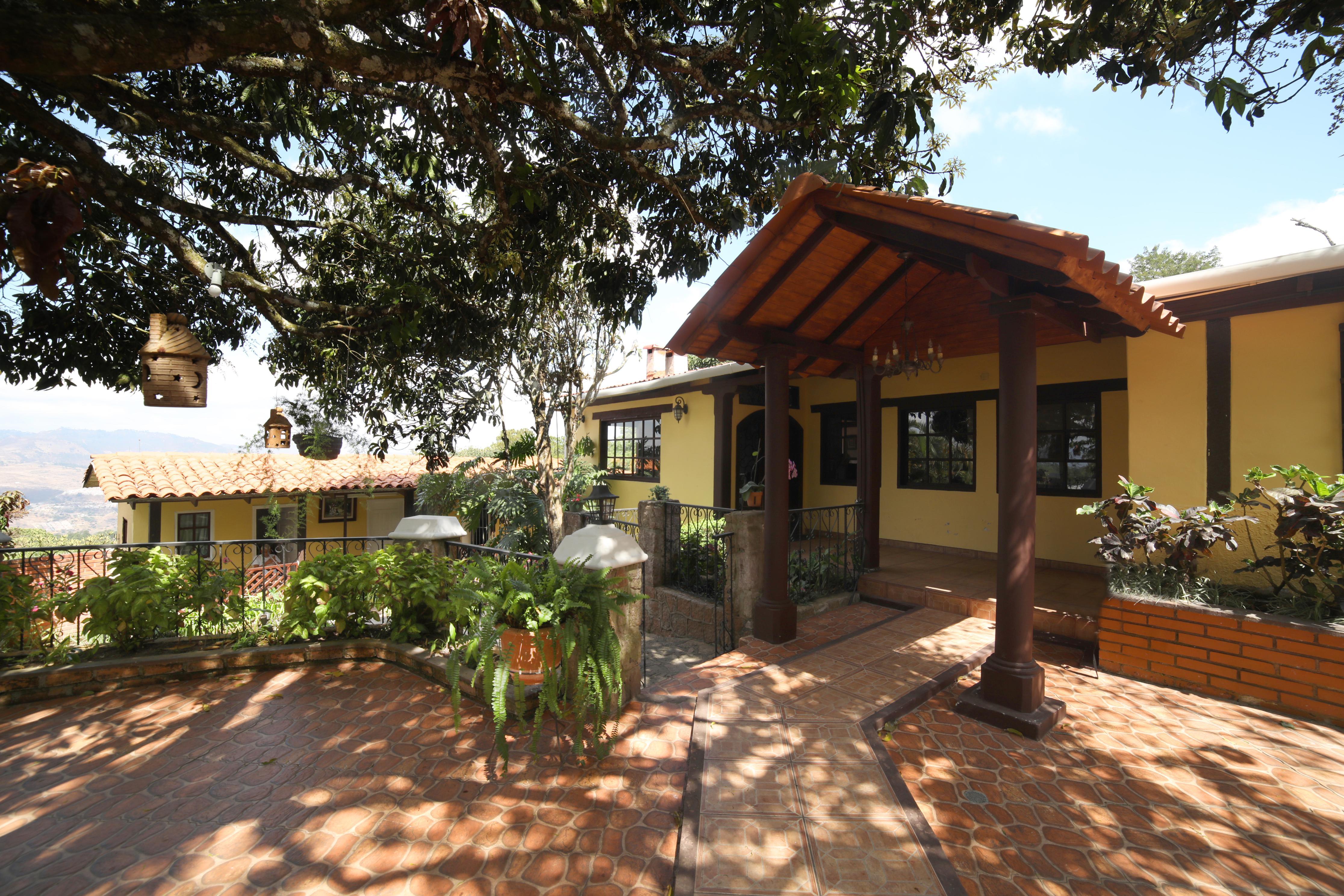 FotoCasa en Venta |  en  El Hatillo,  Distrito Central  Casa En Venta Residencial El Hatillo Tegucigalpa