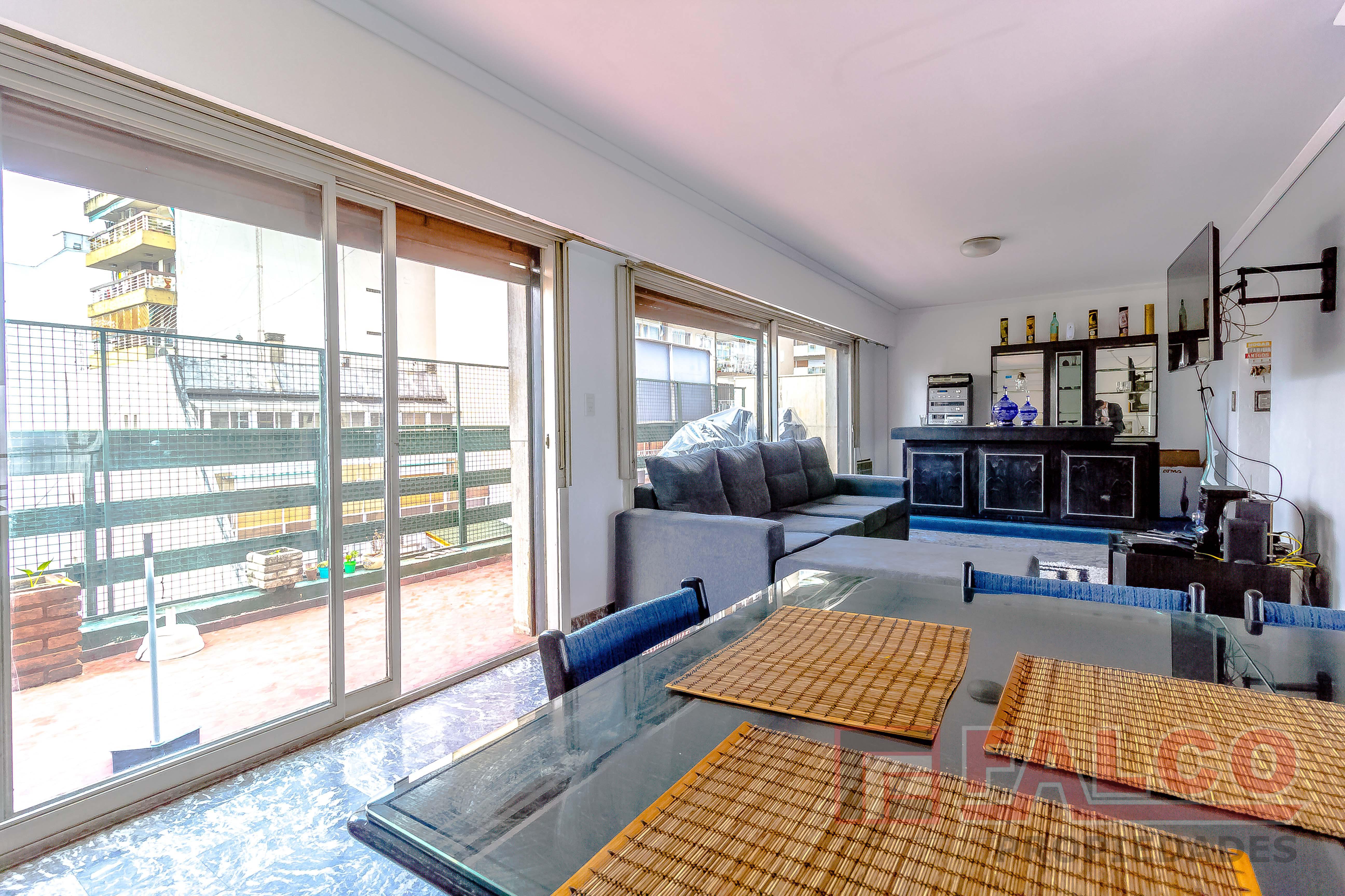 FotoDepartamento en Venta |  en  Flores ,  Capital Federal  Granaderos y Rivadavia