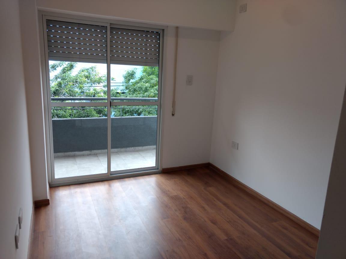FotoDepartamento en Alquiler    en  Luis Agote,  Rosario  TUCUMAN 3400