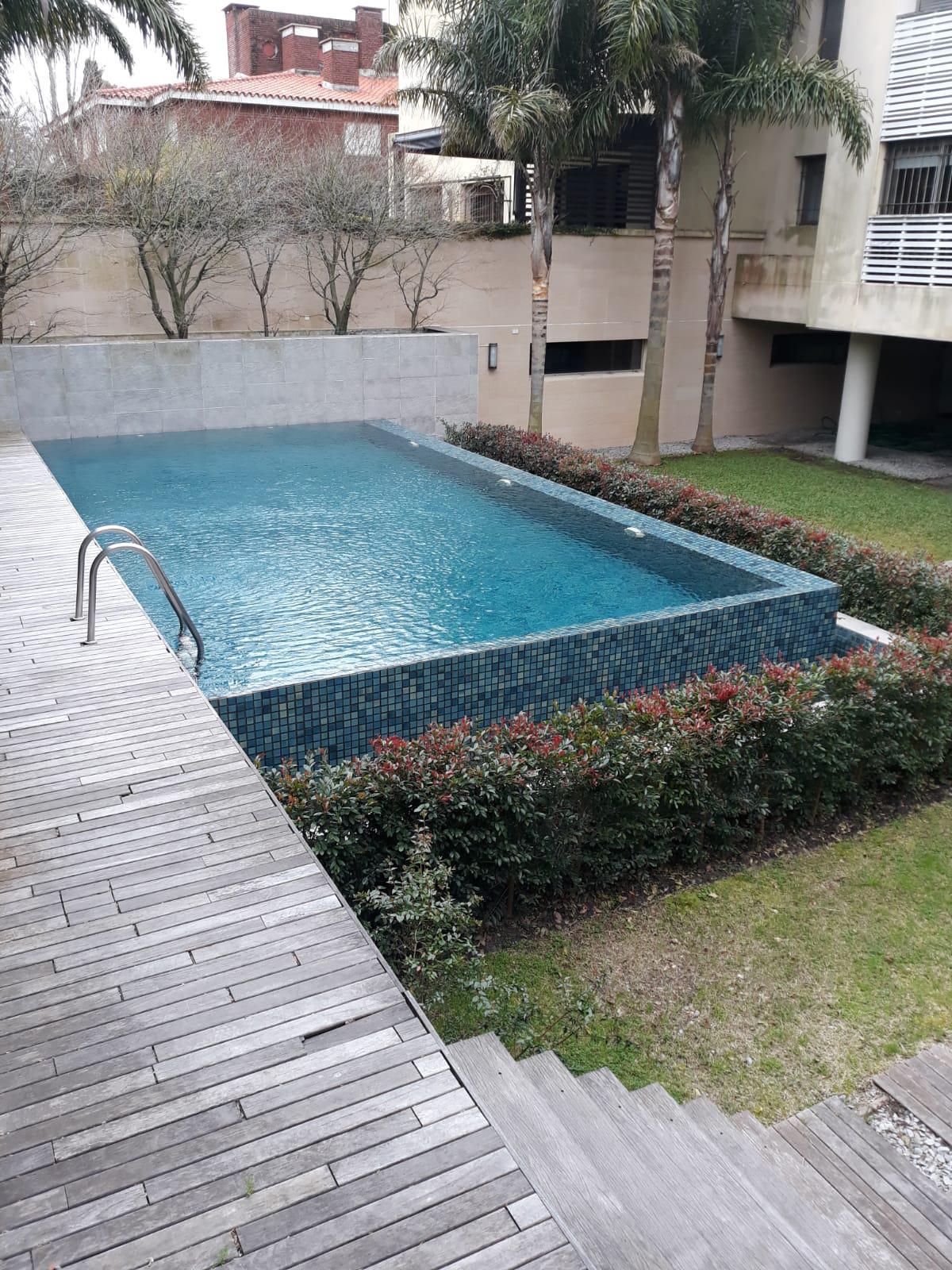 FotoDepartamento en Venta    en  Carrasco ,  Montevideo  Acapulco al 1500