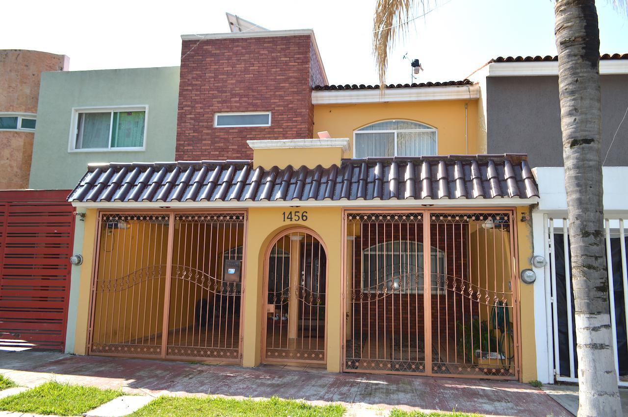 FotoCasa en Venta |  en  Fraccinamiento Mirador de San Isidro,  Zapopan  Atardecer 1456