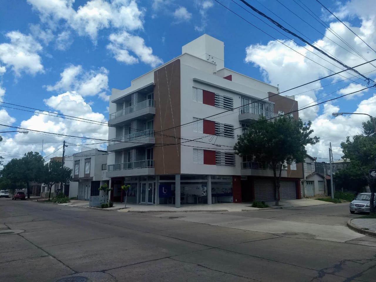 12 de Octubre esq. Colón - Gaggiotti Inmobiliaria cuenta con más de 50 años desde que se inicio en el negocio de los servicios inmobiliarios.
