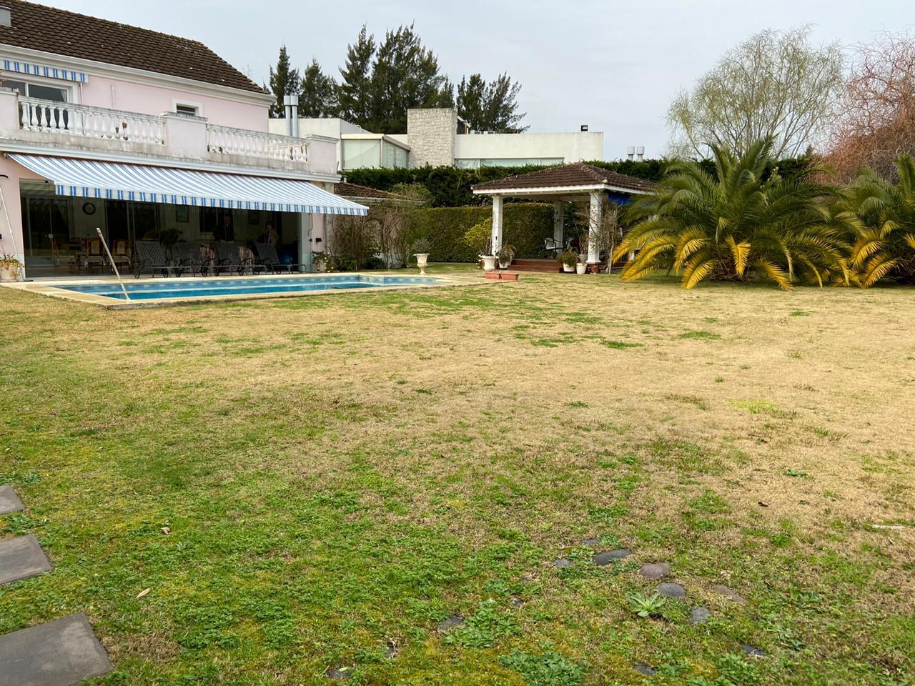 FotoCasa en Venta    en  Guillermo E Hudson,  Berazategui  cc. abril club de campo retoños 25