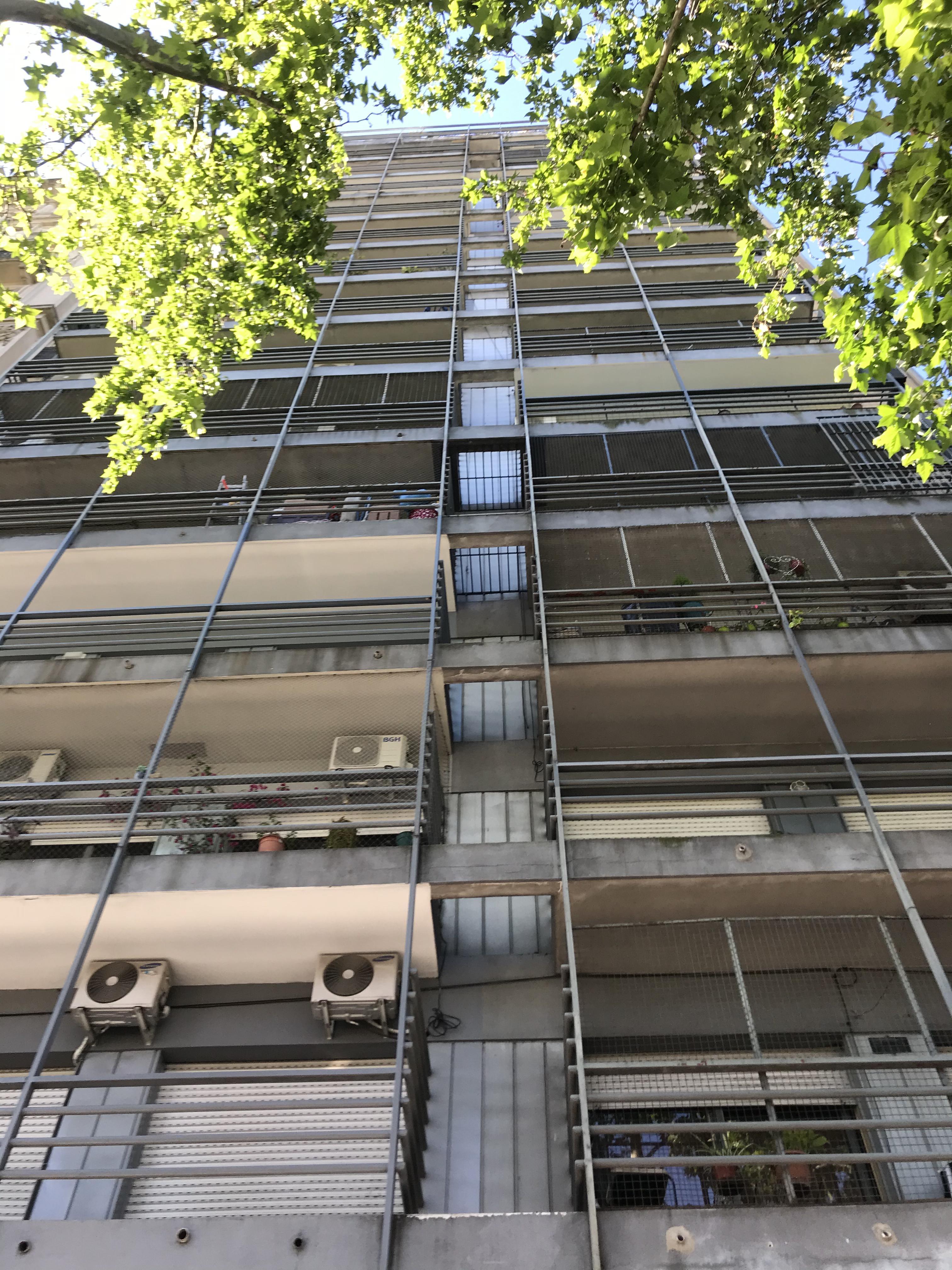 FotoDepartamento en Venta |  en  Balvanera ,  Capital Federal  Hipolito Yrigoyen al 2900