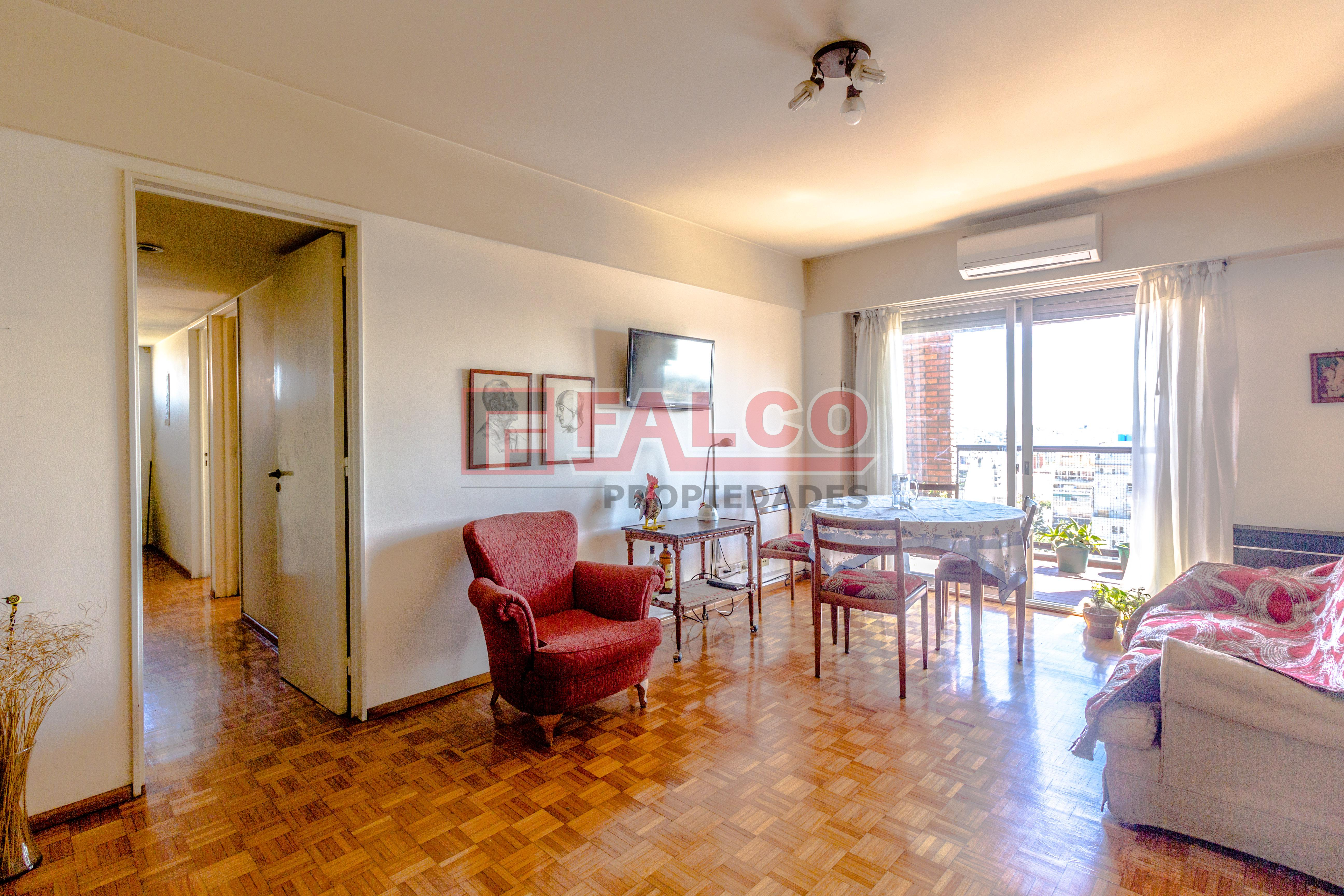 FotoDepartamento en Venta |  en  Flores ,  Capital Federal  San Pedrito y Rivadavia