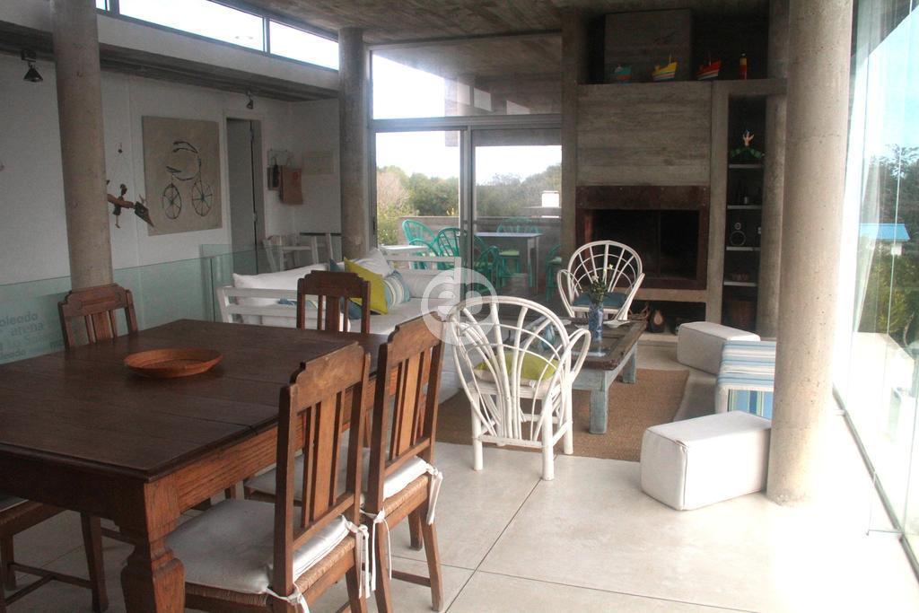 Casa Venta o Alquiler en Punta del Este La Juanita de 3 Dormitorios