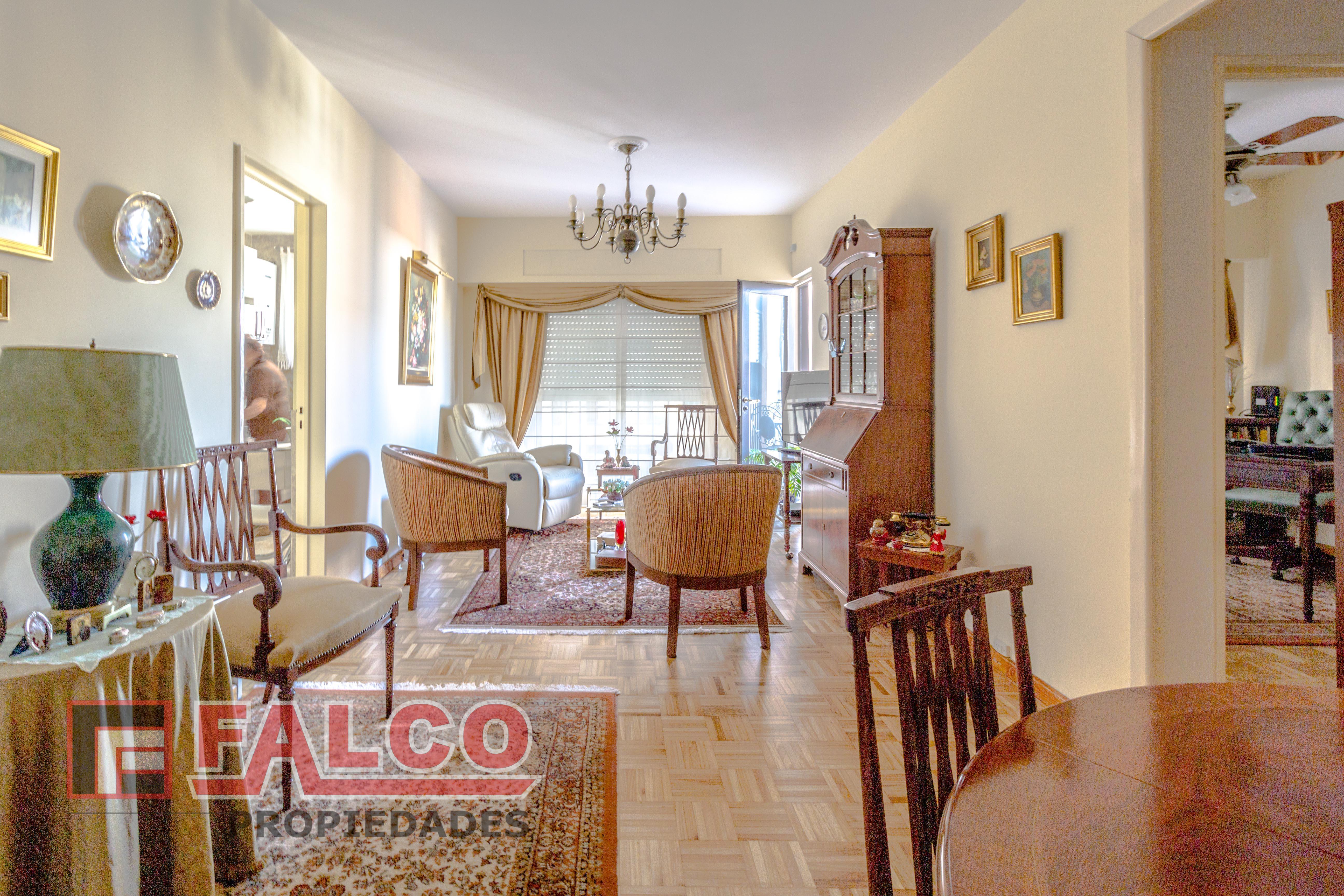 FotoDepartamento en Venta |  en  Caballito ,  Capital Federal  Alberdi al 1600
