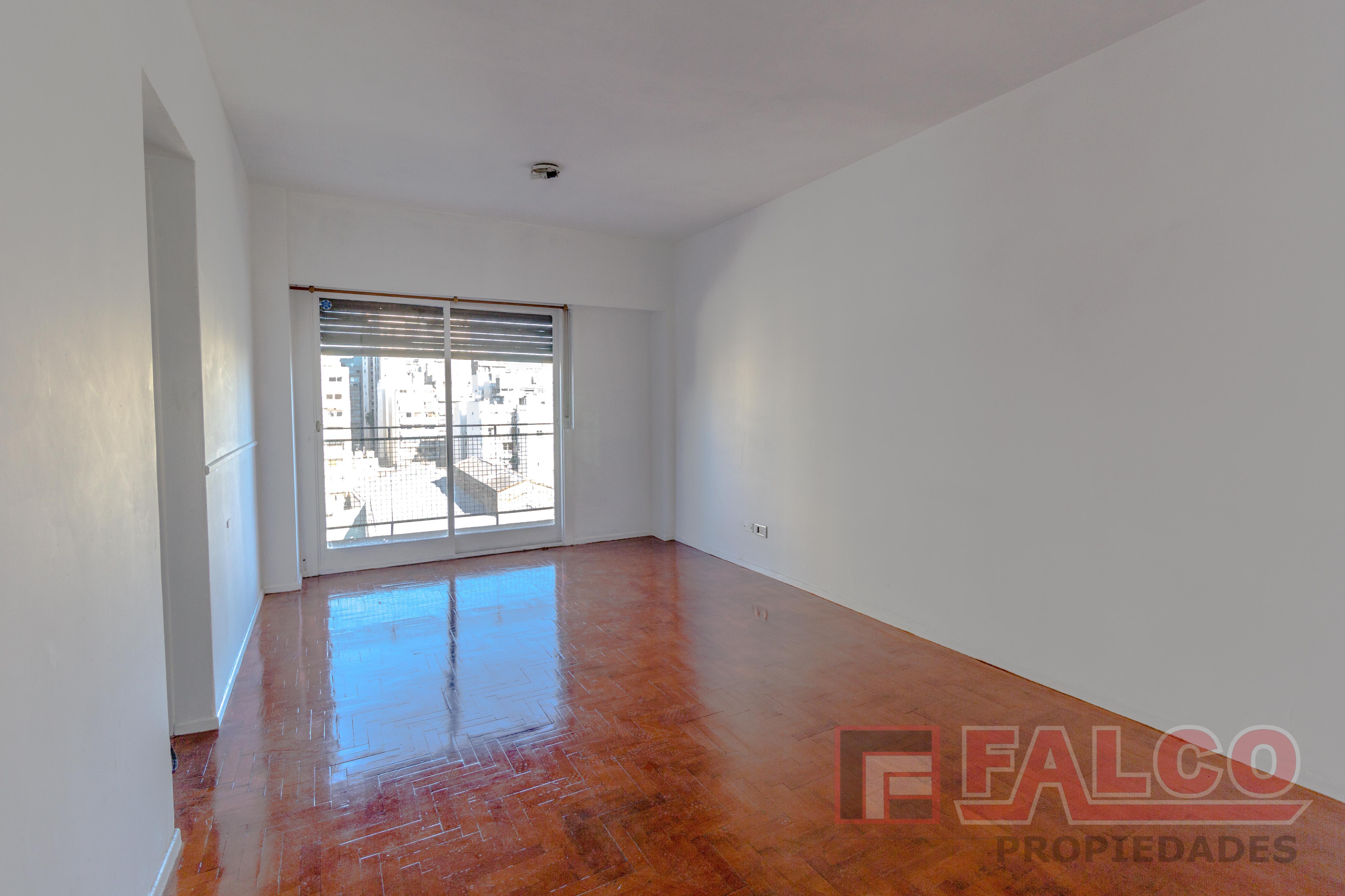 FotoDepartamento en Alquiler |  en  Caballito ,  Capital Federal  Rivadavia al 6100