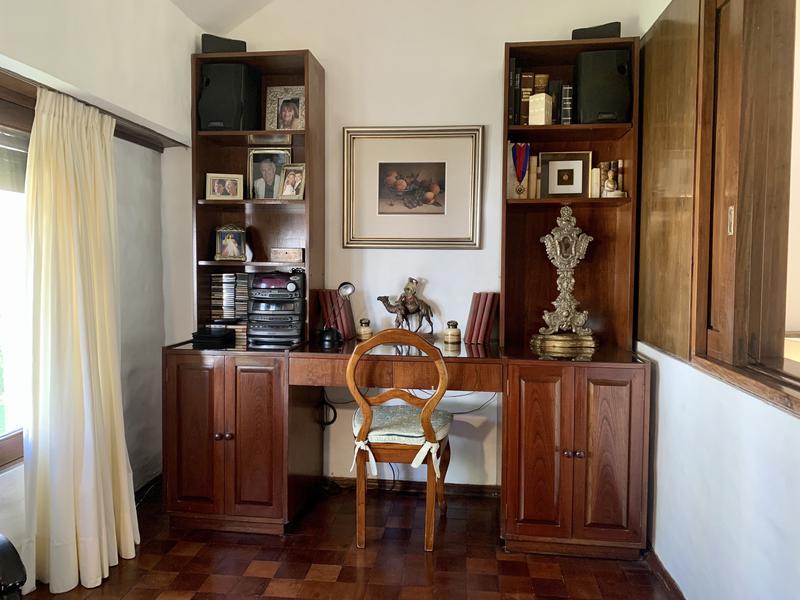 Foto Casa en Venta en  Cordoba Capital ,  Cordoba  Casa de 3 dormitorios en la Quinta Santa Isabel. Gran jardín y pileta.