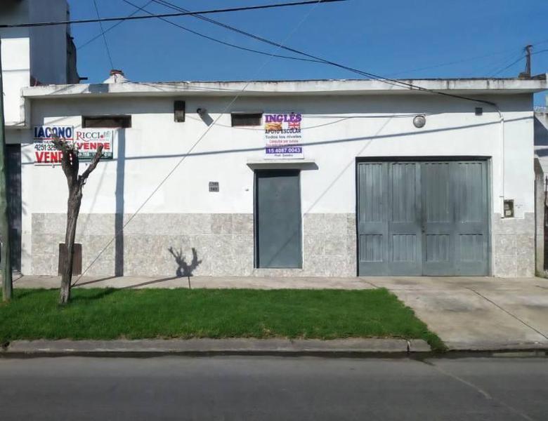 Foto Galpón en Venta en  Quilmes Oeste,  Quilmes  Aime tschiffely al 765 entre Calle 307Bis y Rodolfo Lopez