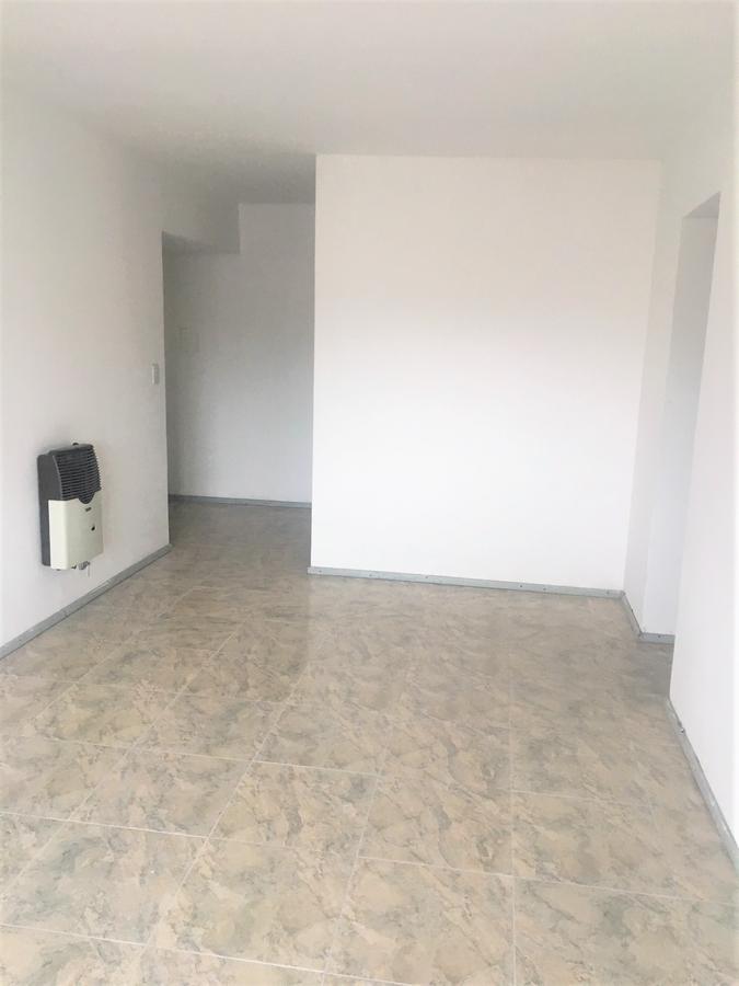 Foto Departamento en Alquiler en  Macrocentro,  Rosario  Entre Rios 1525 10-03