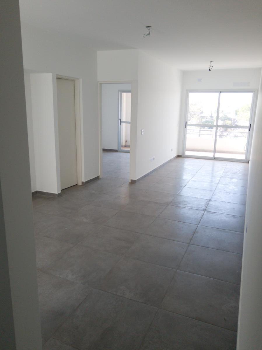 Foto Departamento en Venta en  Esc.-Centro,  Belen De Escobar  Asborno 246, Edificio Terrasol III,  2°A