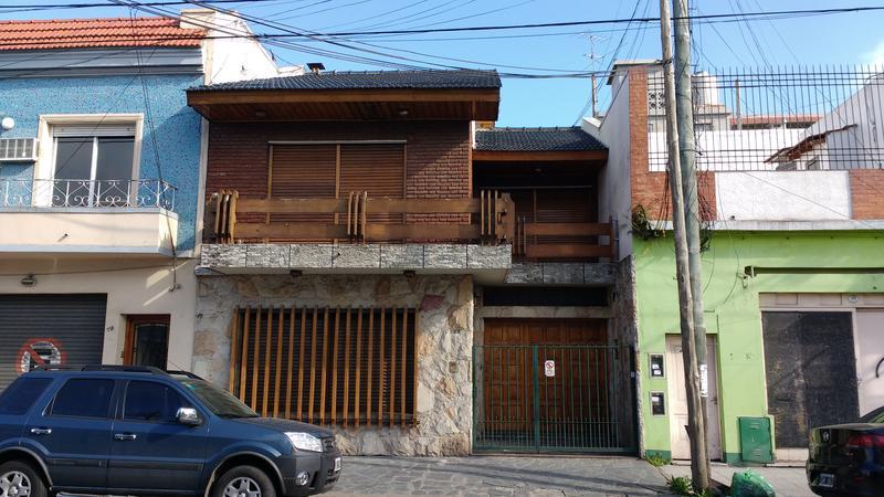 Foto Casa en Venta |  en  Valentin Alsina,  Lanus  Rucci 700