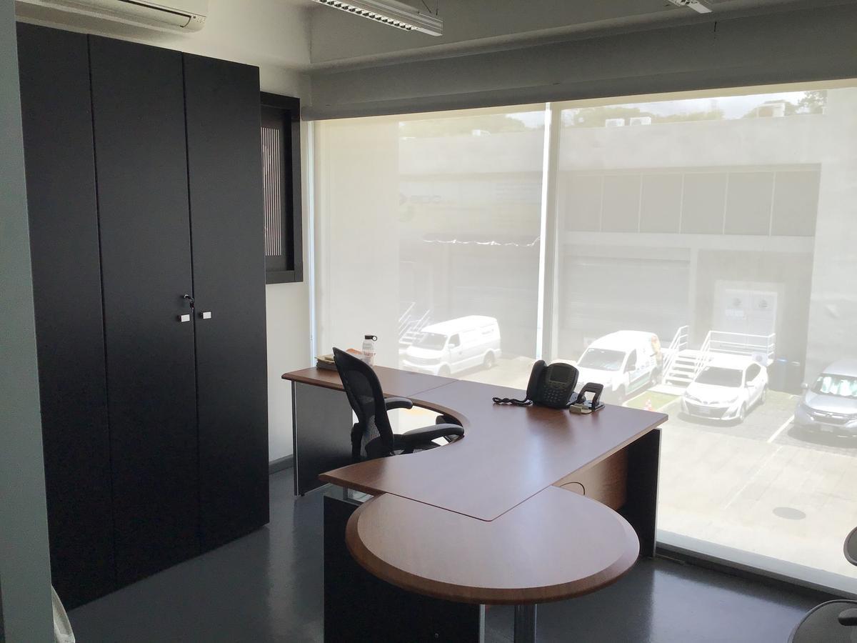 Foto Bodega Industrial en Venta | Renta en  Santana,  Santa Ana  Lindora/ Lista para habitar/ Con muebles/ 658m2