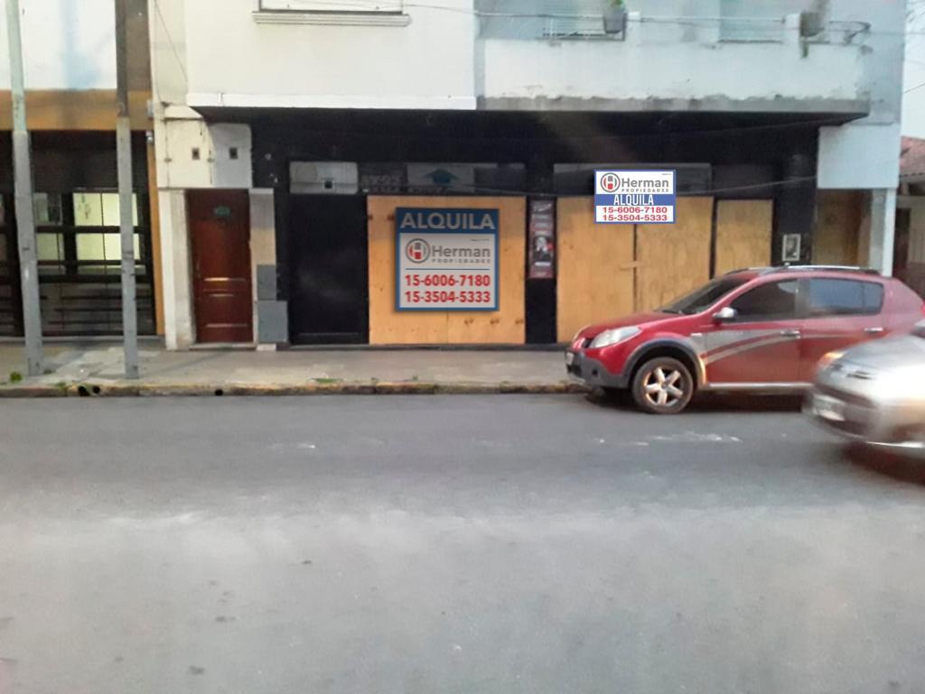 Foto Local en Alquiler en  Quilmes ,  G.B.A. Zona Sur  Moreno  al 700