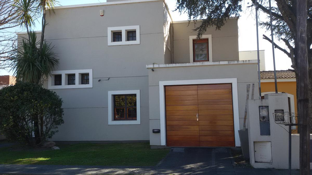 Foto Casa en Alquiler en  Villa Pan de Azucar,  Cosquin  guido spano
