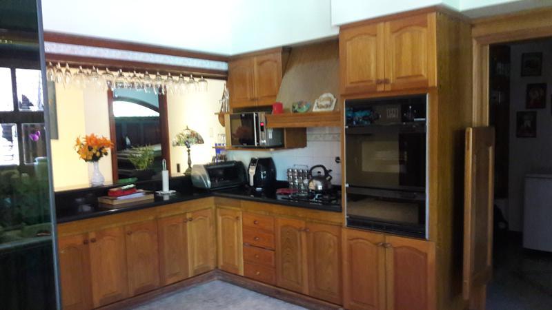 Foto Casa en Venta en  Adrogue,  Almirante Brown  CARLOS PELLEGRINI nº 718, esquina Spiro