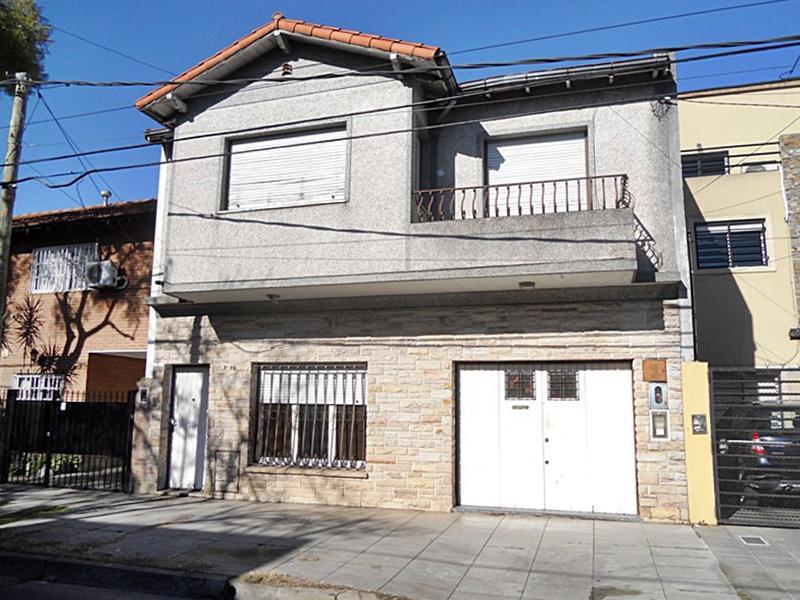 Foto Casa en Venta en  Carapachay,  Vicente Lopez  Esquiu al 2800
