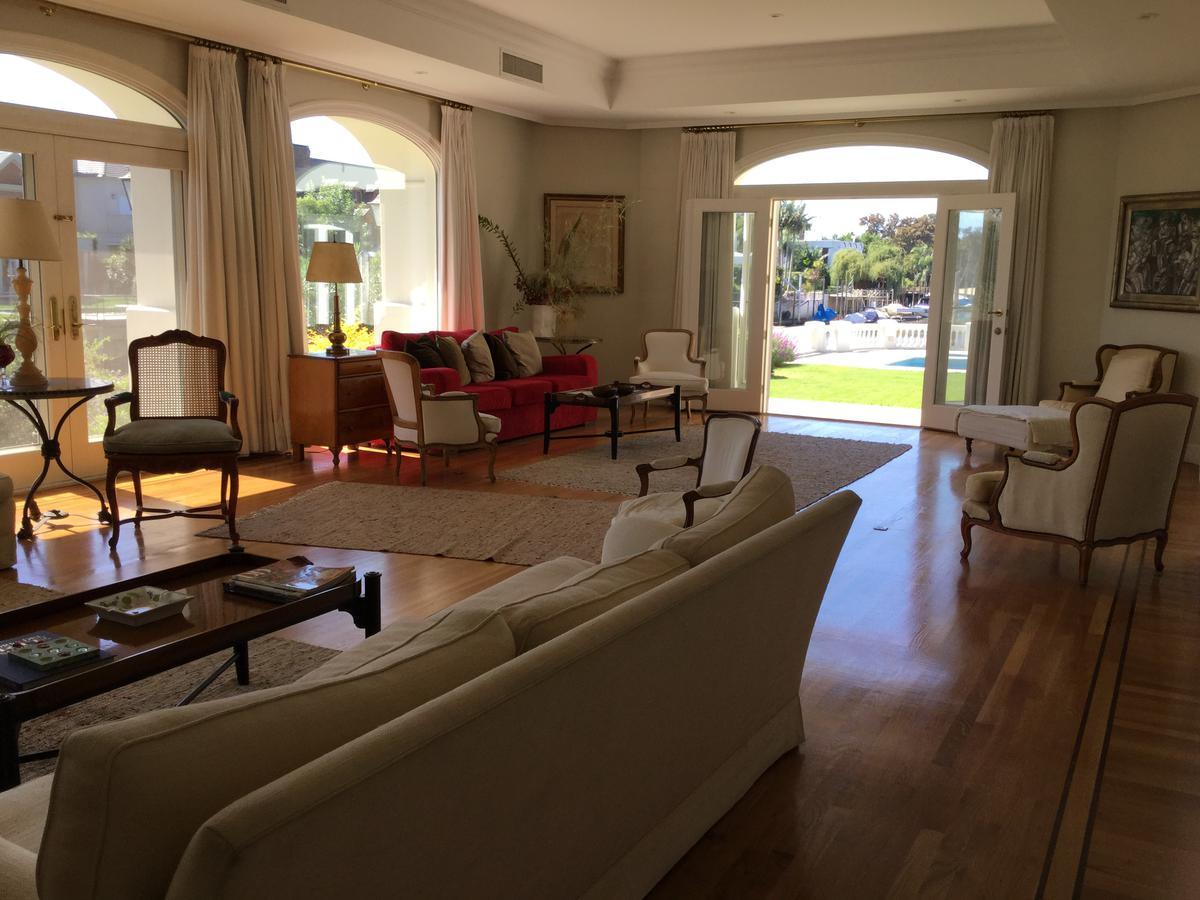 Foto Casa en Alquiler temporario en  Boating Club,  Countries/B.Cerrado  Las Corbetas 0