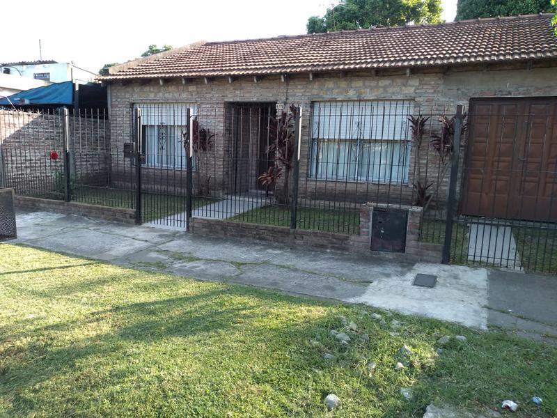Foto Casa en Alquiler en  Ituzaingó,  Ituzaingó  Tordo al 400