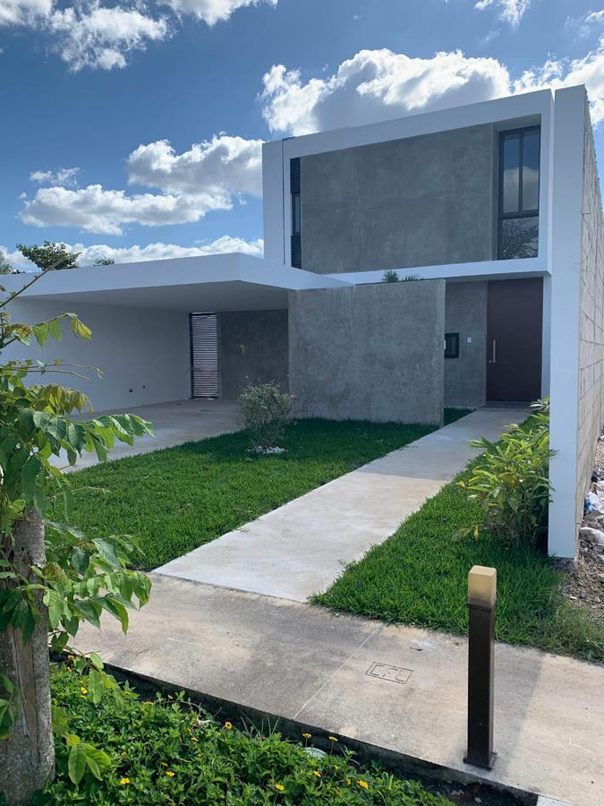 Foto Casa en Venta en  Pueblo Conkal,  Conkal  Residencia de lujo al norte de Mérida. Cerca de las mejores amenidades y servicios.