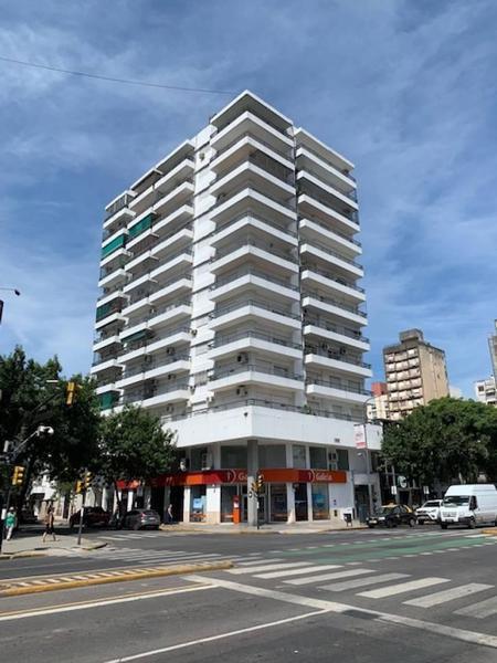 Foto Departamento en Venta en  Centro,  Rosario  Av Pellegrini al 1100