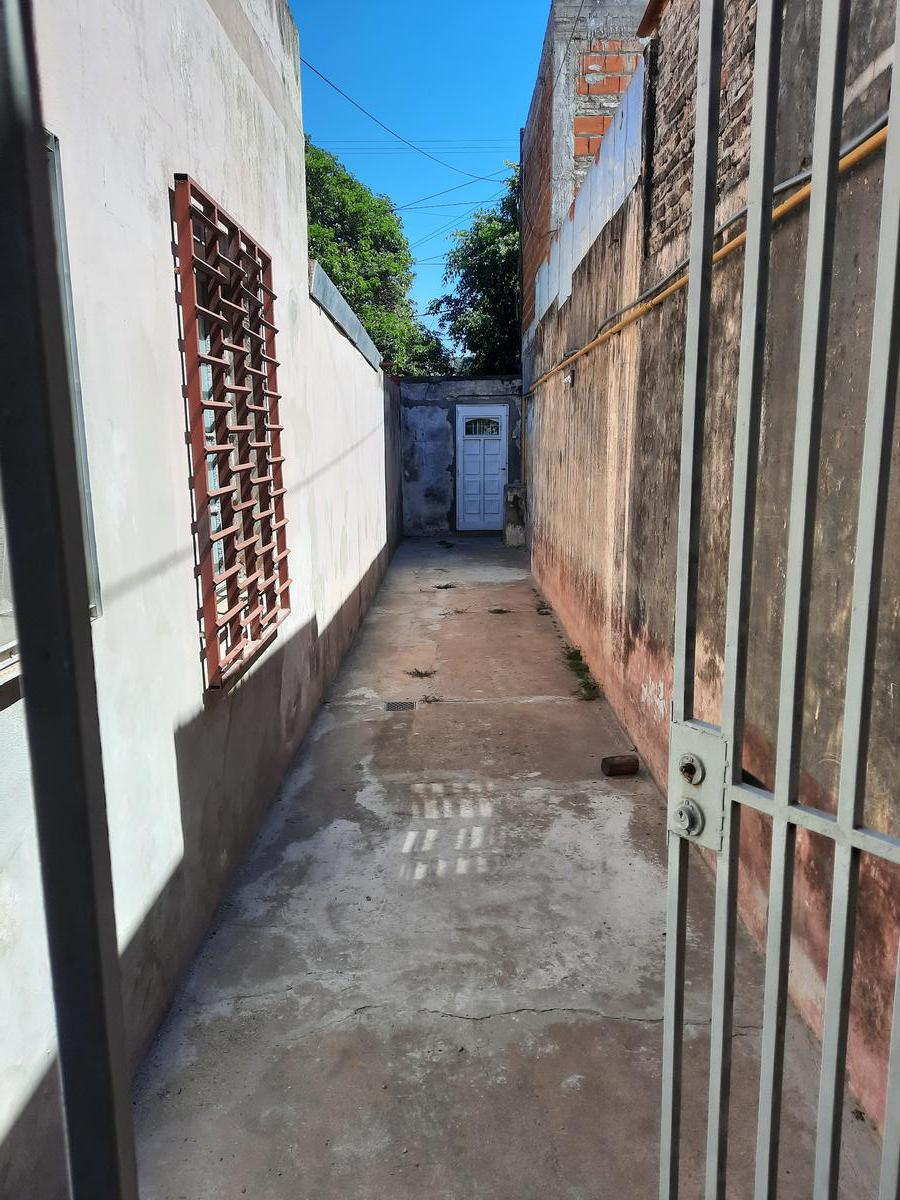 Foto Casa en Venta en  Bella Vista,  Rosario  Crespo 2823
