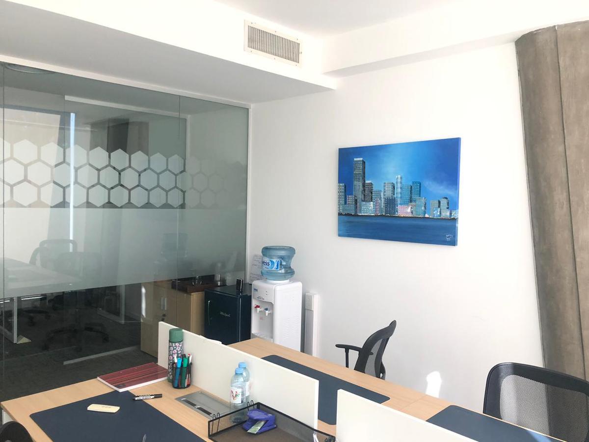 Foto Oficina en Alquiler en  Olivos,  Vicente Lopez  Juan Bautista Alberdi al 400